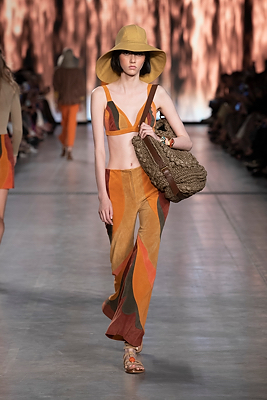milan-fashion-week--alberta-ferretti-spring-summer-2020-collection-Milan_Fashion_Week:_Alberta_Ferretti_spring_summer_2020_collection24.jpg