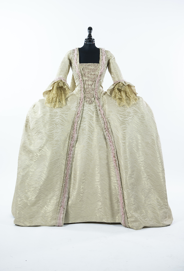 exhibition-cinemaddosso--the-costumes-of-annamode-from-cinecitta-to-hollywood-48_WHITE_26886_01_MARIE_ANTOINETTE.jpg