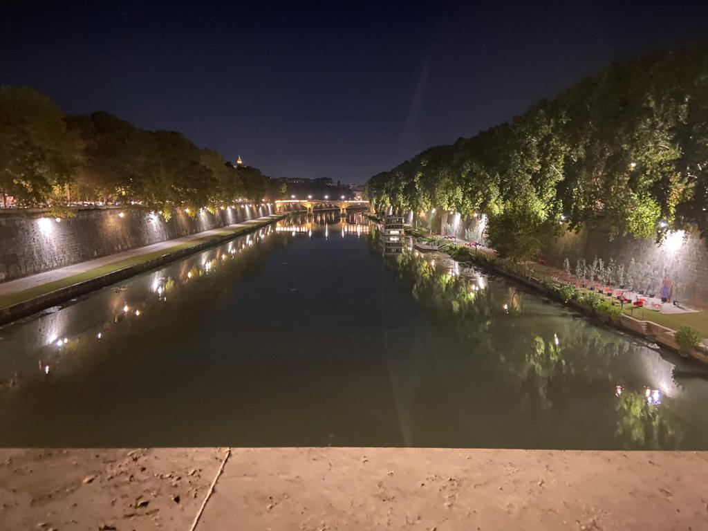 rome---piazza-tevere---images-Rome_-_'Piazza_Tevere'_-_images_(1).jpeg