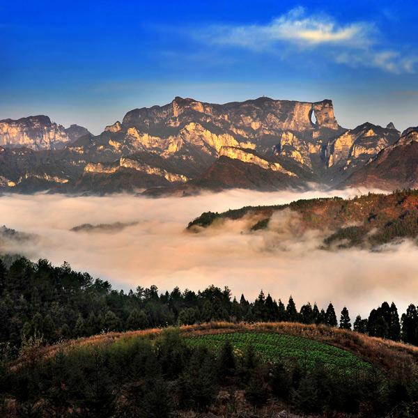 tianmen-mountain---hunan---china---images-Tianmen_Mountain_-_Hunan_-_China_-_images_(3).jpg