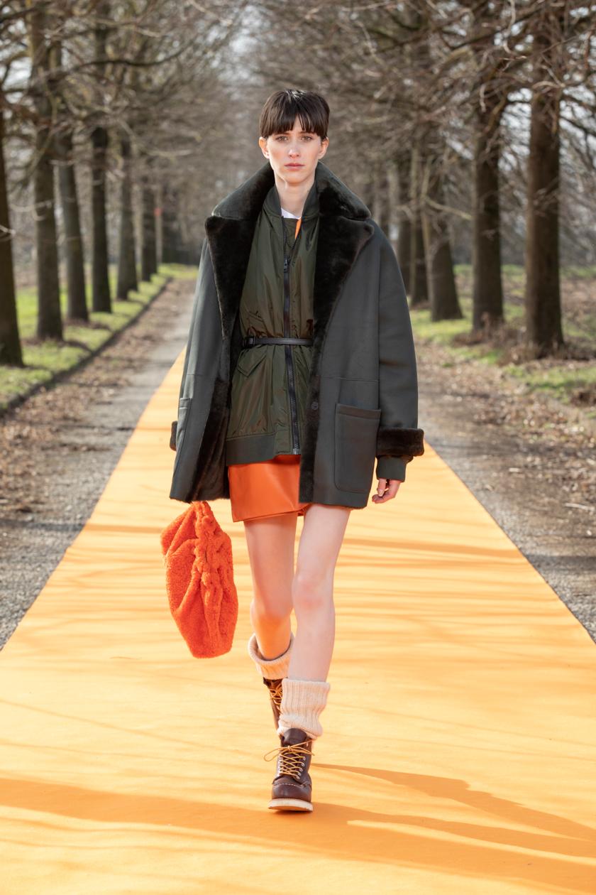 milan-fashion-week--simonetta-ravizza-autumn-winter-2022-collection-milan-fashion-week--simonetta-ravizza-autumn-winter-2022-collection_(6).jpg