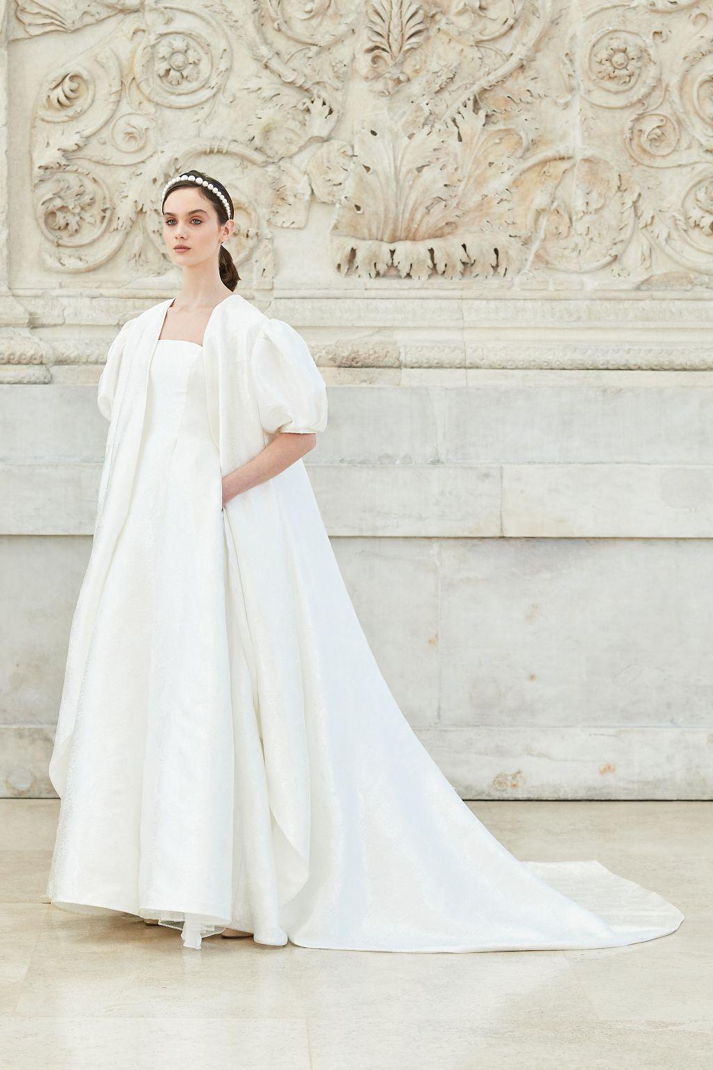 milan-fashion-week--daniela-gregis-autumn-winter-2022-collection-LauraBiagiottiAI21-22_AraPacis-AGEOFWomen_35.jpg