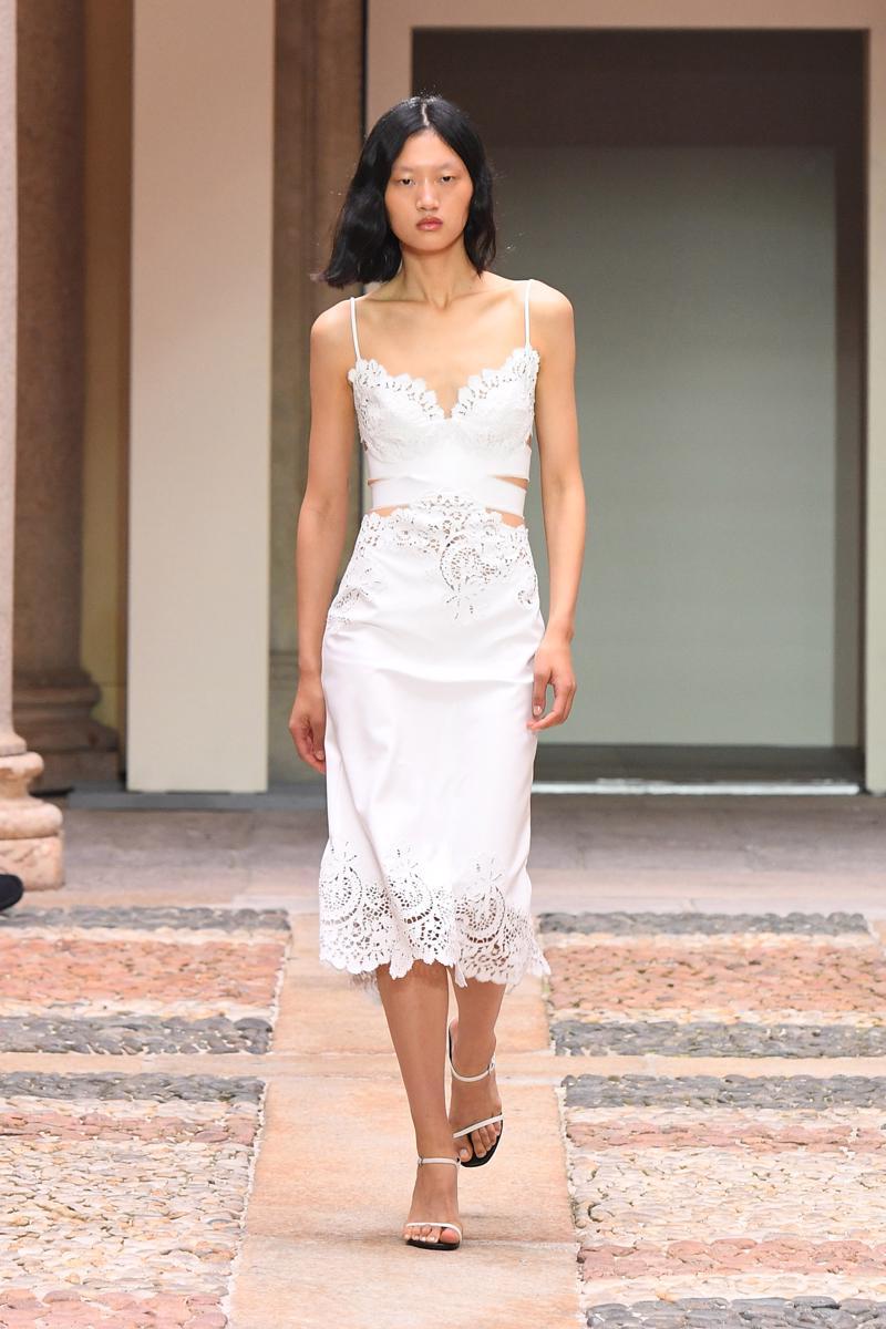 milan-fashion-week--ermanno-scervino-spring-summer-2022-collection-milan-fashion-week--ermanno-scervino-spring-summer-2022-collection_(4).JPG